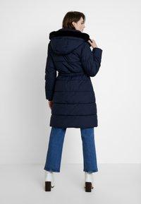Banana Republic - LONG PUFFER FUR TRIM HOOD - Winter coat - preppy navy - 2