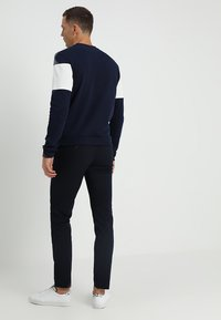 Banana Republic - FULTON  - Trousers - preppy navy
