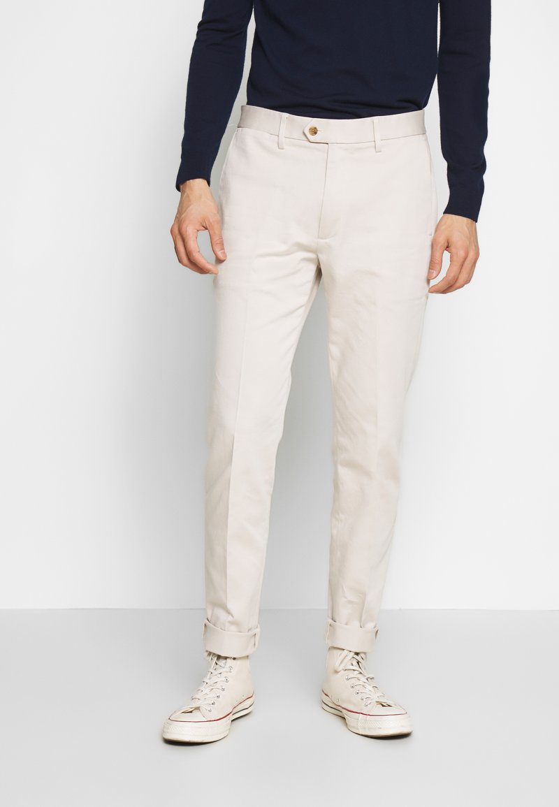Banana Republic - SLIM TRAVELER - Chino - bahama sand