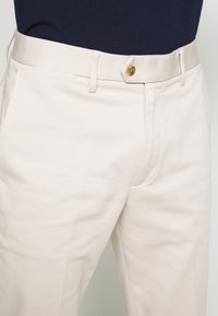 Banana Republic - SLIM TRAVELER - Chino - bahama sand - 6
