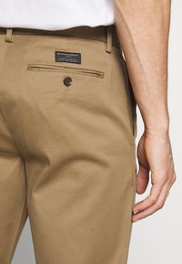 Banana Republic - EMERSON - Chinos - airforce khaki - 5