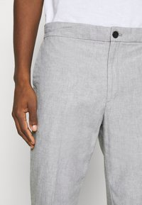 Banana Republic - WAIST PANT - Trousers - grey - 5