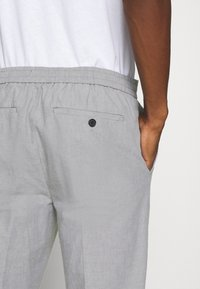 Banana Republic - WAIST PANT - Trousers - grey - 3