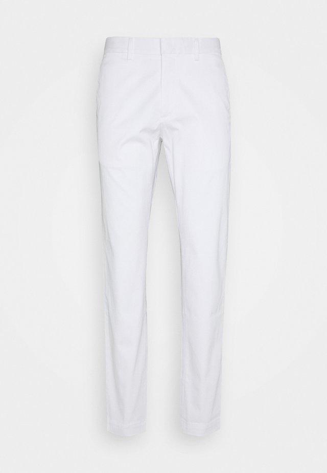 AIDEN - Chino - white