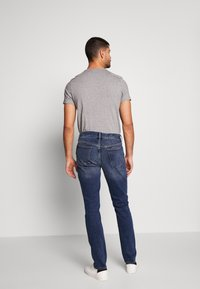 Banana Republic - THE RICH WASH - Jeans slim fit - fresh air blue - 2