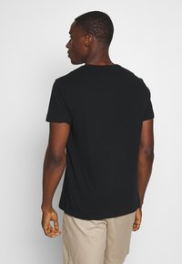 Banana Republic - LOGO SOFTWASH TEE - T-shirt basic - black - 2