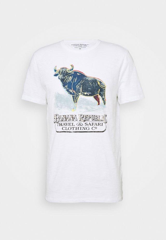 BULL NEON GRAPHIC TEE - Camiseta estampada - optic white