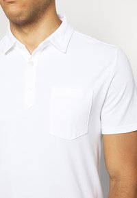 Banana Republic - PERFORMANCE - Polo shirt - white - 5