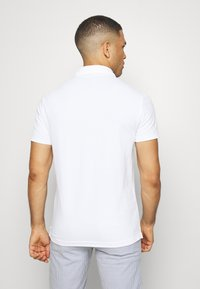 Banana Republic - PERFORMANCE - Polo shirt - white - 2