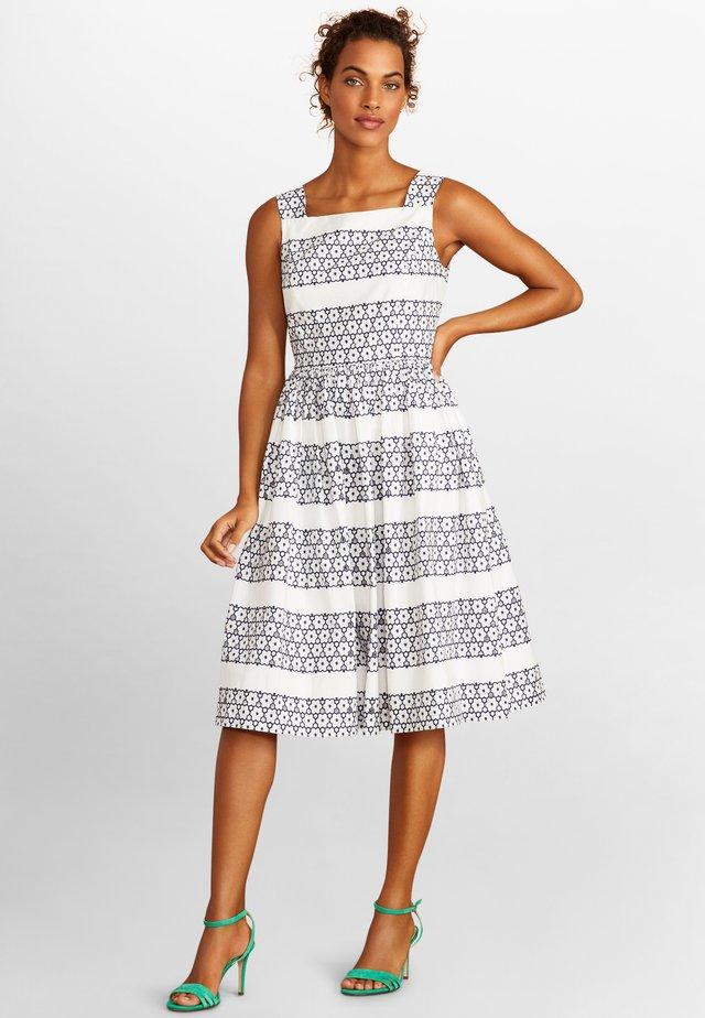 Day dress - open white
