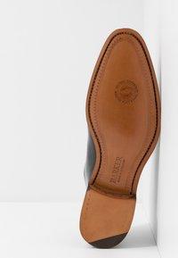 Barker - NELSON - Elegantní šněrovací boty - black - 4