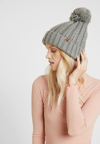 Bickley+Mitchell - BEANIE - Bonnet - grey - 1