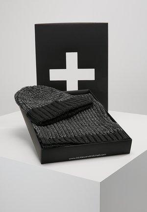 GIFTBOX SET - Huivi - grey melee
