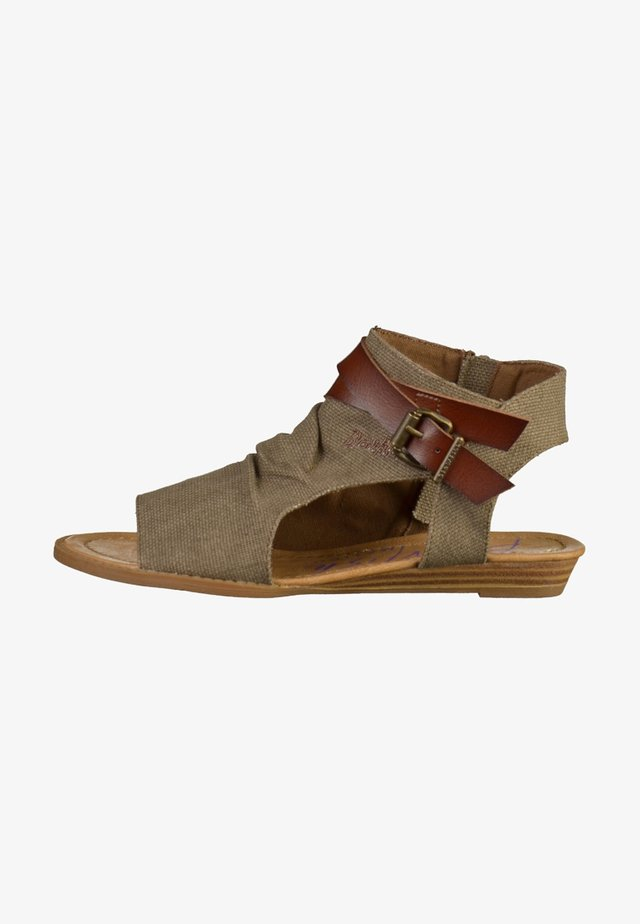 Ankle cuff sandals - brown