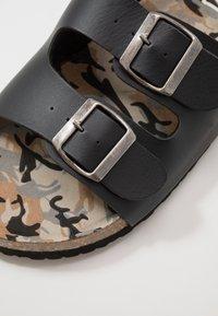 Blend - FOOTWEAR - Domácí obuv - black - 5