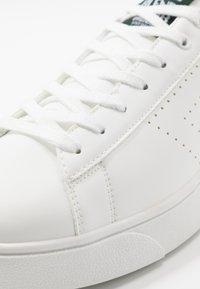 Blend - FOOTWEAR - Sneakersy niskie - mallard green - 5