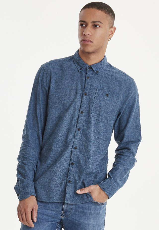 SHIRT REGULAR FIT - Skjorter - denim blue