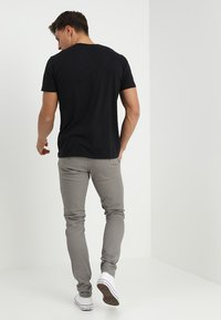 Blend - SLIM FIT - Chinosy - granite