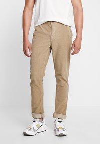 Blend - PANTS - Pantalon classique - safari brown - 0