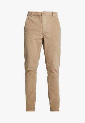 PANTS - Kalhoty - safari brown