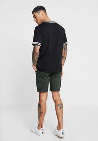 Blend - Shorts - rosin green - 2