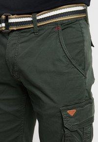 Blend - Shorts - rosin green - 3