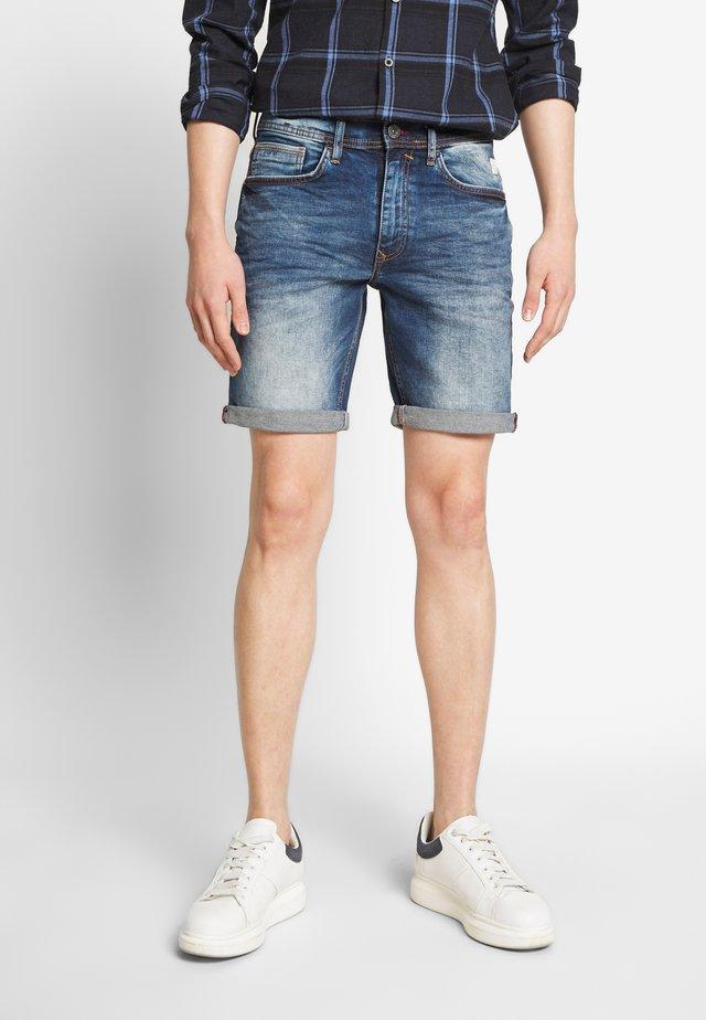 CLEAN - Jeans Short / cowboy shorts - denim middle blue