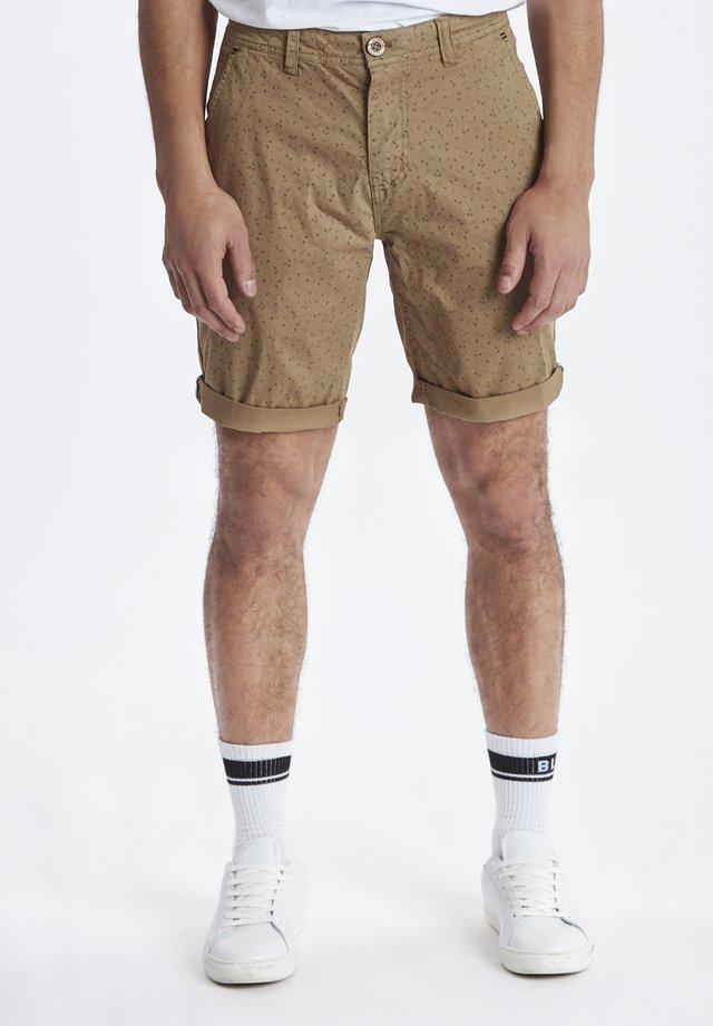 SHORTS - Shorts - sand brown