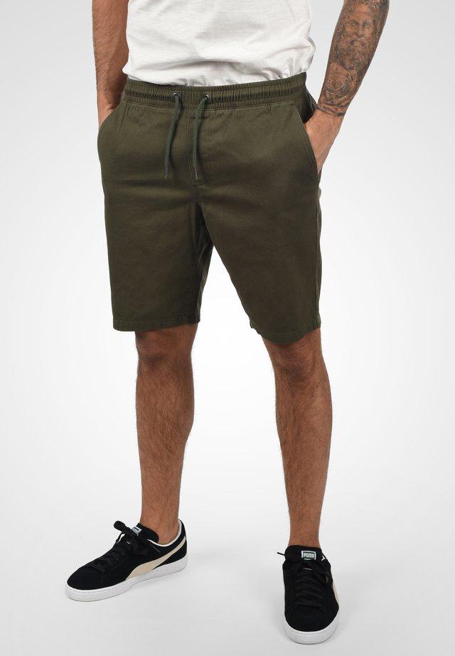PIELLO - Shorts - dusty green