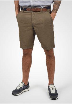 KEARNEY - Shorts - safari brown