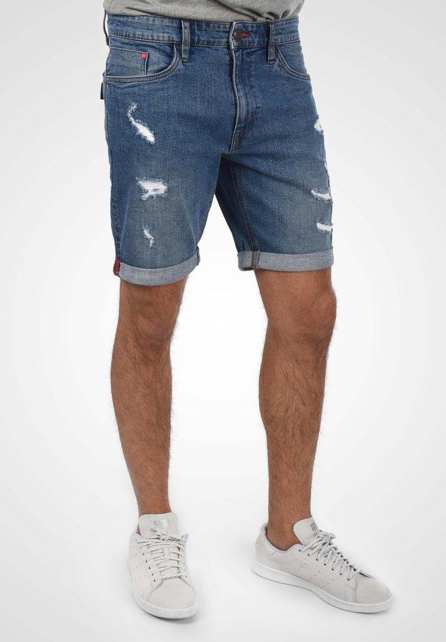 AVER - Denim shorts - denim lightblue