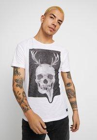 Blend - Camiseta estampada - white - 0
