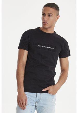 SLIM FIT - T-shirt med print - black