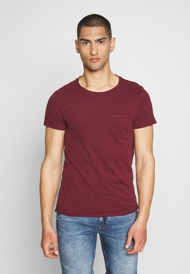 SLIM  - T-Shirt basic - truffel red