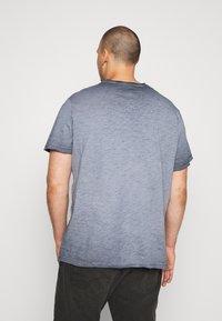 Blend - Jednoduché triko - dark navy blue - 2