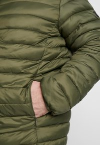 Blend - OUTERWEAR - Lehká bunda - olive night green - 5