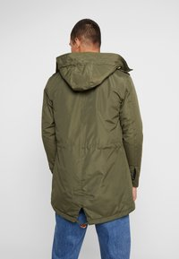 Blend - OUTERWEAR - Parka - olive night green - 2
