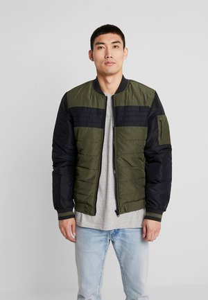 OUTERWEAR - Bomber Jacket - forest night green