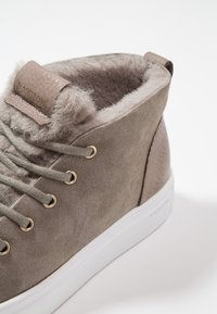 Blackstone - High-top trainers - iceland - 2
