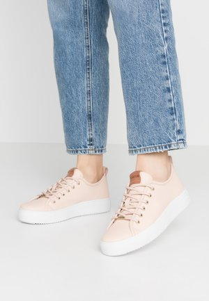 Trainers - pink/champagne