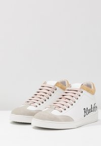 Blackstone - High-top trainers - white/rose - 4