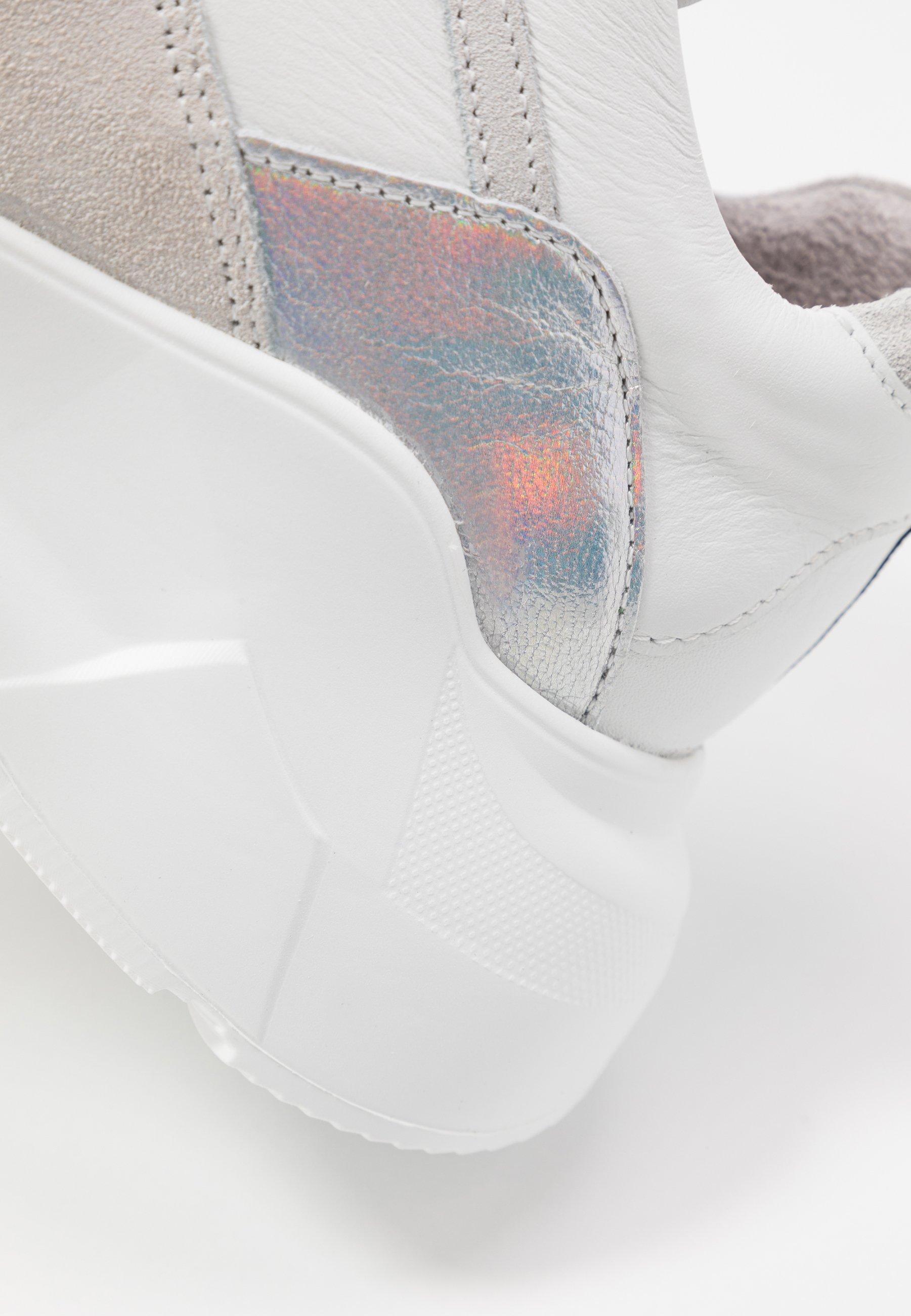Blackstone Sneakers - white