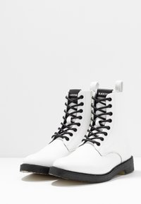 Blackstone - Lace-up ankle boots - white - 4