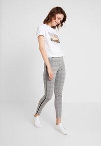 Blue Seven - DA - Leggings - Trousers - schwarz - 1
