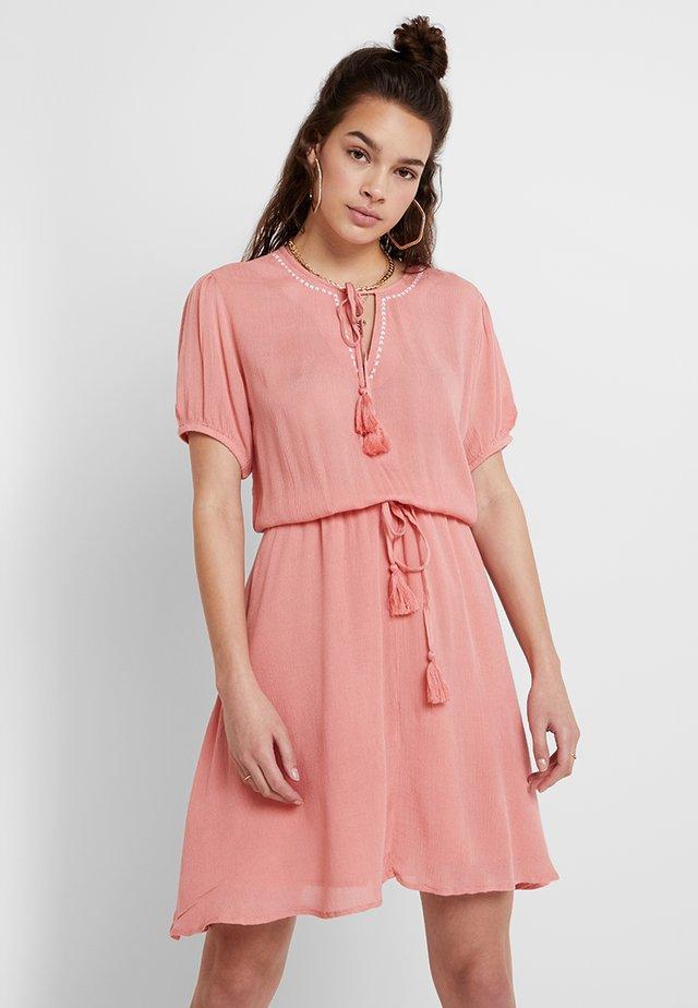 Korte jurk - flamingo