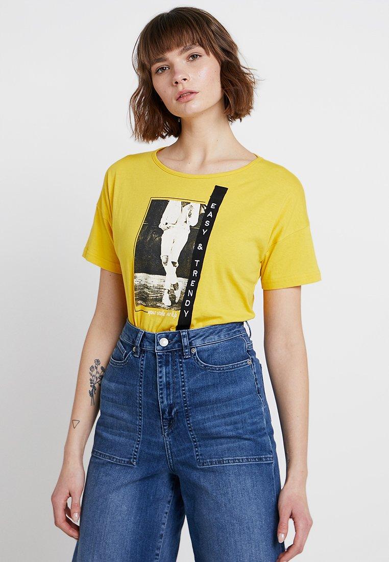 Blue Seven - RUNDHALS - T-shirt con stampa - sun