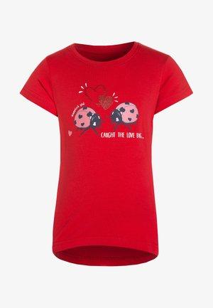 T-shirt med print - hochrot