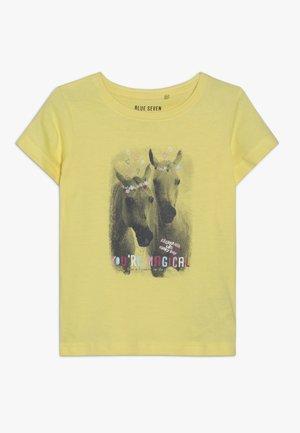 T-shirts med print - korn