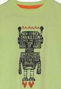 Blue Seven - Print T-shirt - apfel - 3