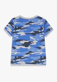 Blue Seven - T-shirt print - ocean - 1